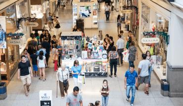 Córdoba reabre shoppings, agencias de viajes y publicidad