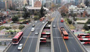 Expertos estiman que para el Santiago post pandemia será clave acabar con los viajes largos