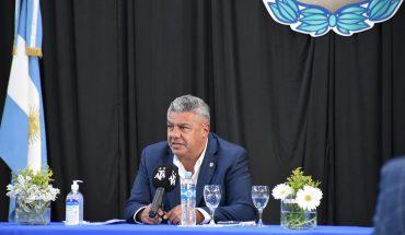 """Fútbol: Tapia dijo que volverán a entrenarse """"cuando todos estén en Fase 4"""