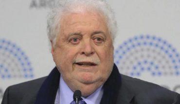 """Ginés González García: """"Administramosbien la pandemia, si no te pasa por arriba"""""""