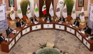Gobernadores del PAN proponen ruta de cambio para evitar 'ruina' del país