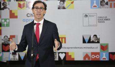 Ministro Figueroa advirtió que crisis sanitaria puede aumentar brechas de aprendizaje y deserción escolar
