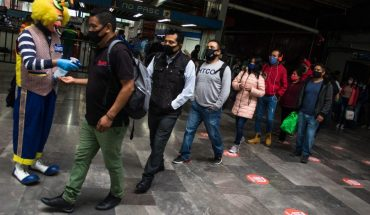 Nueva normalidad inicia con mucha gente en la calle; creen que pandemia ya acabó