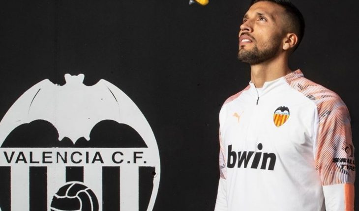 Ezequiel Garay farewelled to Valencia in conflict with the leadership