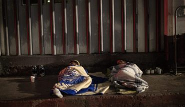 Relatives of COVID patients sleep outdoors waiting for news