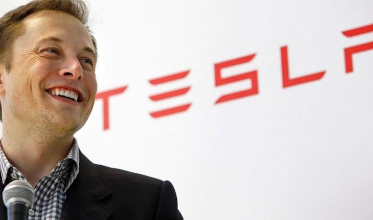 Tesla stock grows and is almost worth Toyota