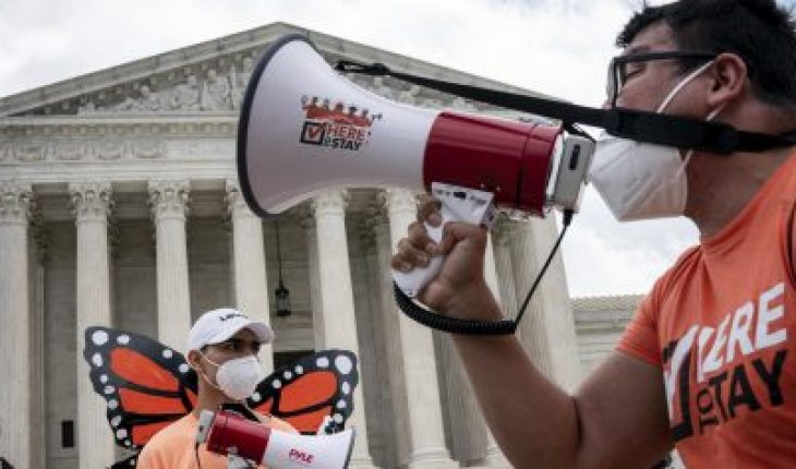 US Supreme Court Blocks Trump Order to Remove DACA