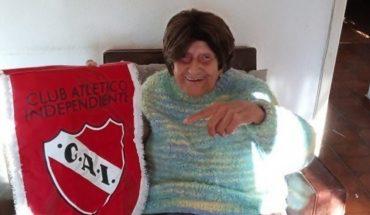 Alicia, la abuela que cumplió 103 años y es fanática de Independiente