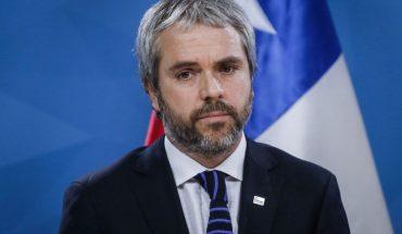 """Blumel acusó a parlamentarios de gobierno que apoyan posnatal de emergencia de alinearse """"con sectores de oposición, de izquierda más dura, más radicalizada"""""""