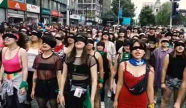 Carabineros habló sobre denuncia contra Las Tesis tras demostración de apoyo de actrices de Hollywood