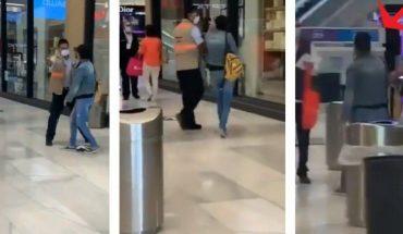 Dos mujeres evitan control sanitario en CDMX y son atacadas en redes (VIDEO)