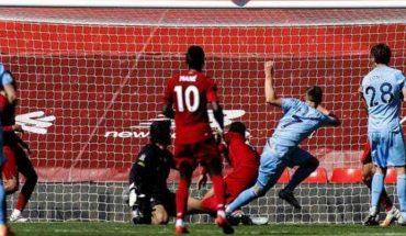 El Liverpool, campeón de la Premier, se relaja y empata ante el Burnley