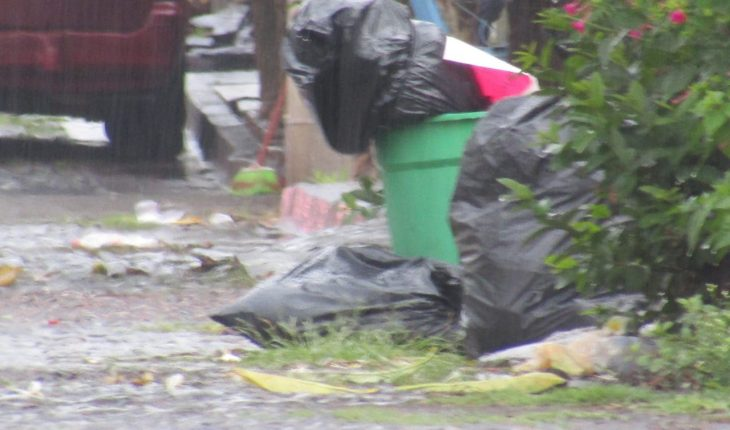Encuentran restos humanos embolsados y con narcomensaje en Zamora, Michoacán