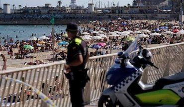 España retrocede y reconfina a 200,000 personas por COVID-19