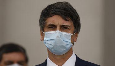 """Ministro Couve llama a la """"cautela"""" por plazos de vacuna contra el coronavirus"""
