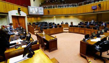 """Senadores de oposición en bloque anunciaron """"voluntad de apoyar"""" retiro de fondos de las AFP"""