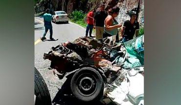 Taxista y pasajera perecen en choque en Gabriel Zamora, Michoacán