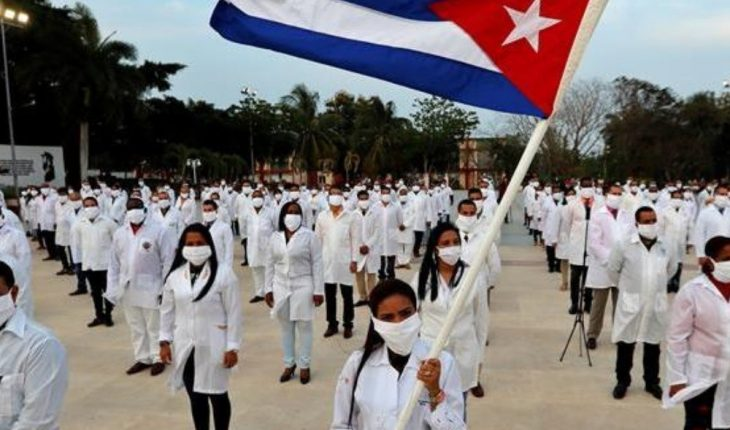'Good return': Marcelo Ebrard thanks Cuban doctors who helped Mexico attend COVID-19