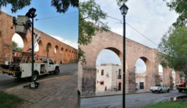 Lighting fixtures continue in Aqueduct section in Morelia, Michoacán
