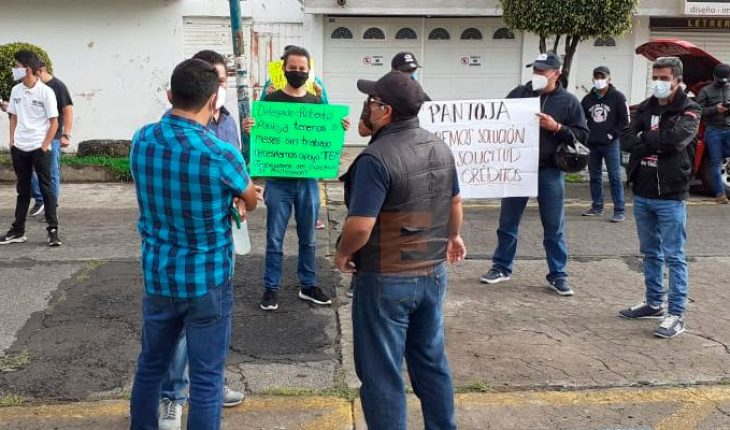 Show workers show up at Welfare Secretary, call for dialogue with Roberto Pantoja
