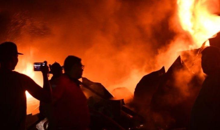 The construction warehouse of the Mazatlan FC stadium, of the Liga MX is on fire