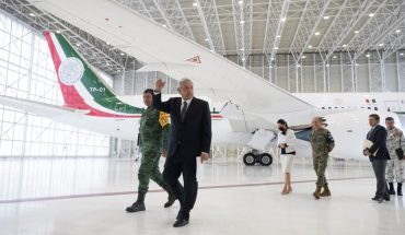 Whoever pays the most takes the plane, says AMLO; there are two offers