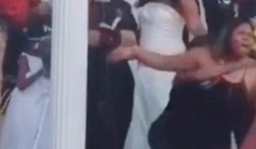 ¡Como de película! Mujer intenta impedir boda y reclama al novio