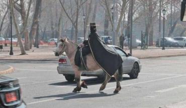 """""""El Zorro de Providencia"""" anhela tener la capa de Antonio Banderas"""