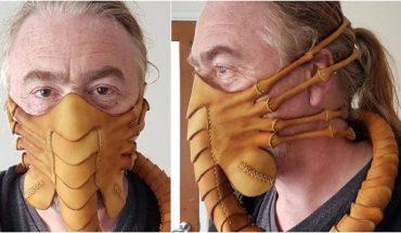 """El peletero """"Pirate's Leatherworks"""" crea una mascarilla inspirada en el atrapacaras, de la clásica cinta Alien"""
