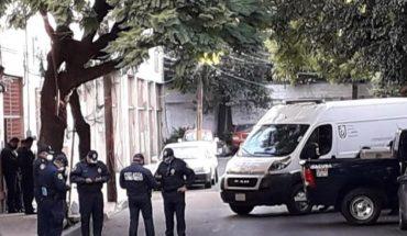 Entre sábanas y maniatado, encuentran cuerpo abandonado en la Miguel Hidalgo, CDMX