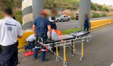 Mujer resulta herida tras arrojarse de un puente en Morelia, Michoacán