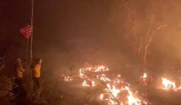 Ola de calor complica el combate ante serie de incendios en California