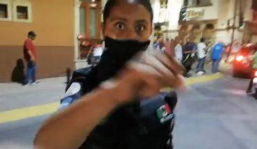 Policías detienen a manifestantes en marcha de mujeres en León
