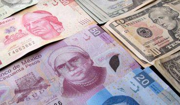 Precio del dólar oscila los 21.99 pesos en bancos de México