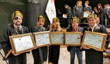 "Reporteros de ""La Mañanera"" de AMLO reciben doctorado honoris causa"
