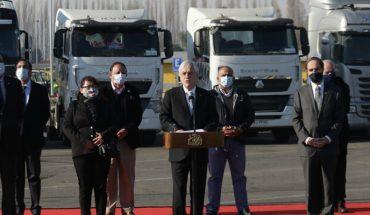 Sebastián Piñera presentó proyecto que endurece penas por quema de camiones y buses