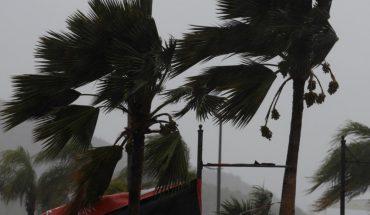 """Tormenta """"Marco"""" avanza hacia EEUU, mientras que """"Laura"""" provoca fuertes lluvias sobre isla de La Española"""