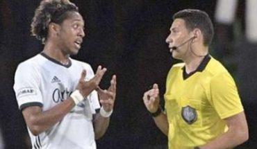 Toser deliberadamente a un rival será motivo de tarjeta roja