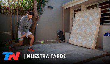 Facundo es una de las promesas del tenis argentino, no entrena hace meses y practica con un colchón