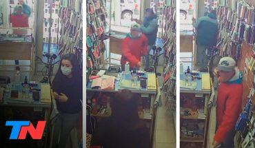 """""""La delincuencia es peor que la pandemia"""": comerciantes de Rafael Calzada reclaman seguridad"""