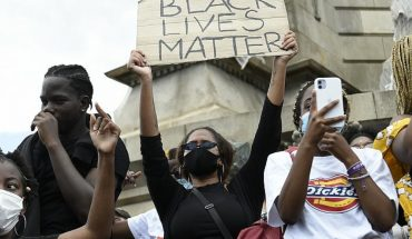 """Black Lives Matters demonstrators demand that whites """"turn over"""" their homes"""