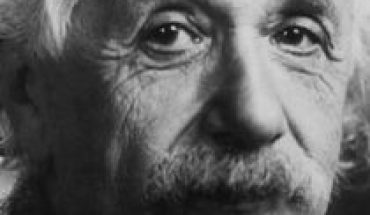 Hiroshima and Nagasaki Why if Einstein was a pacifist, did he sign the letter that propelled the idea of the atomic bomb in the U.S.?