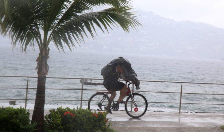 Hurricane Genevieve leaves two dead in Baja California