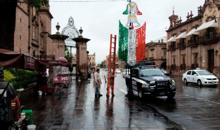 Morelia Historic Center dresses in the colors of the homeland