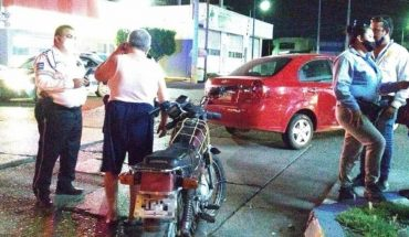Motorcyclist injured after crash against car in Culiacan