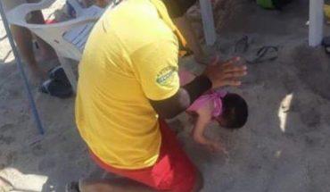 Paramedic saves baby after choking on mango piece in Mazatlan