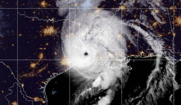 USA: Hurricane 'Laura' loses strength after making landfall in Louisiana and weakens category four