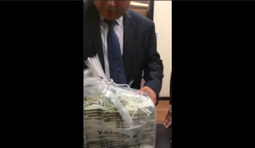 Video of alleged pemex official bribes for lawmakers broadcast