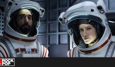 ¿Ya viste la serie espacial que protagoniza Hilary Swank?