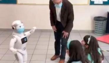 """""""Sam"""", el robot que enseña y entretiene a niños en guarderías"""